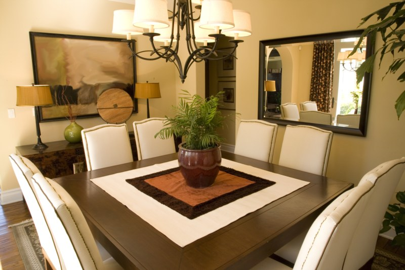 Feng shui articles interiors dining room - Como decorar un comedor ...